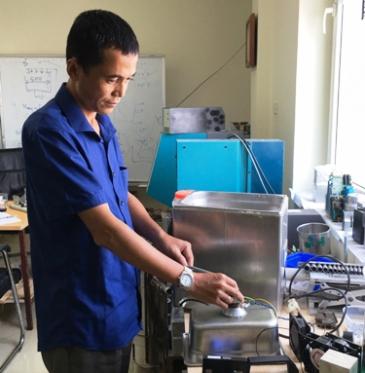[Congthuong.vn] Vinasonic đã sản xuất được máy rửa siêu âm
